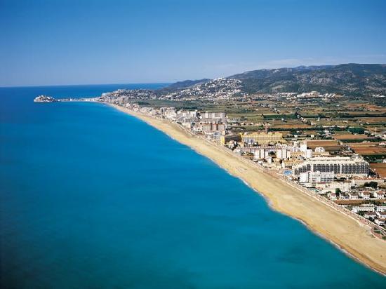 En verano alguna de las playas del mundo gu a de for Hotel playa peniscola